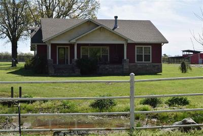 Bald Knob Single Family Home For Sale: 700 Strawberry Road