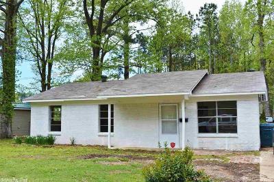 Little Rock Single Family Home For Sale: 7200 Acorn Place