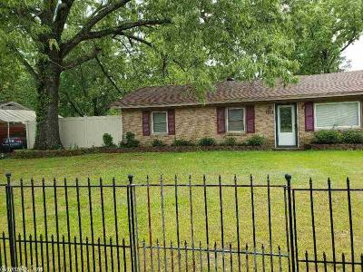 Pine Bluff Single Family Home For Sale: 6528 Sheridan Road