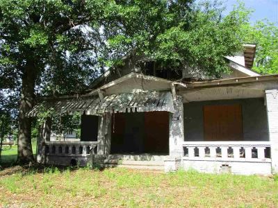 Miller County Single Family Home Under Contract: 1102 County