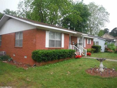 Single Family Home For Sale: 505 W Quitman