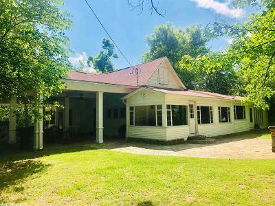 Single Family Home For Sale: 807 Searcy