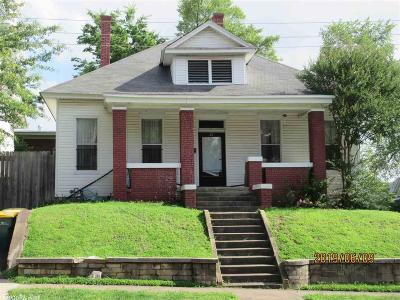 Single Family Home For Sale: 118 E 21st