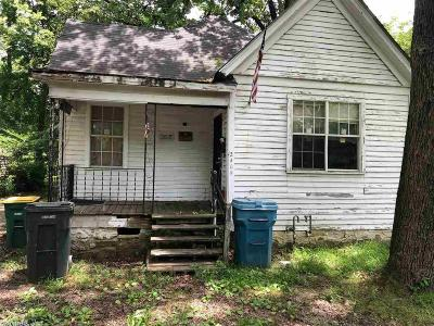 Little Rock Single Family Home New Listing: 2405 S Cedar St