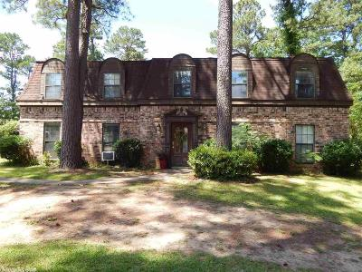 De Queen AR Single Family Home For Sale: $210,000