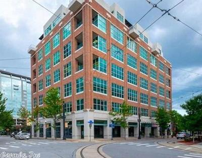 Condo/Townhouse For Sale: 200 River Market #605