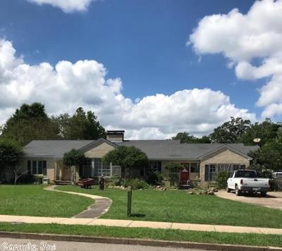 Polk County Single Family Home New Listing: 1207 Magnolia Avenue