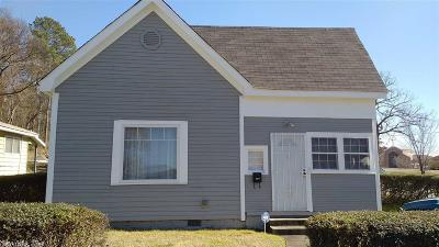 Single Family Home For Sale: 2423 S Center
