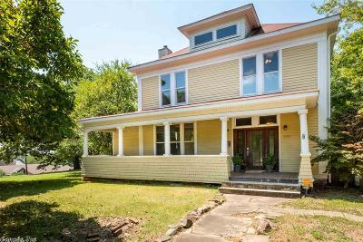Single Family Home For Sale: 2412 Scott Street