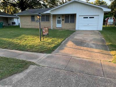 Pine Bluff Single Family Home New Listing: 1703 Belmoor Ave