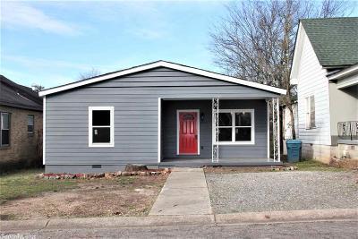 Single Family Home For Sale: 2108 Howard Street
