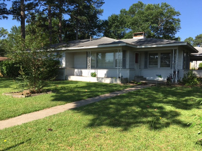 Single Family Home For Sale: 515 Peach