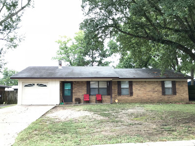 Stuttgart AR Single Family Home Sale Pending: $89,000