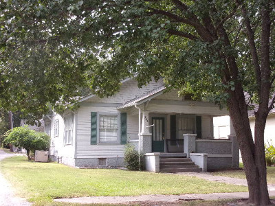 Stuttgart Single Family Home For Sale: 904 S Porter