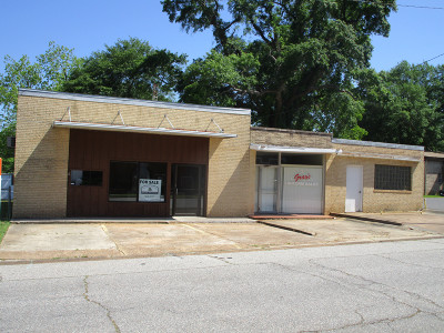 Magnolia AR Commercial For Sale: $49,000