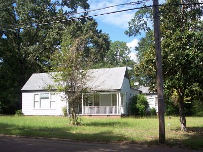 Magnolia Single Family Home For Sale: 724 W Main St