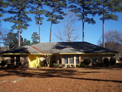 Magnolia Single Family Home For Sale: 1905 Karen Circle