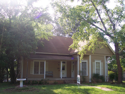 Stamps Single Family Home For Sale: 906 Spruce St