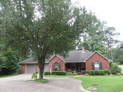 Magnolia Single Family Home For Sale: 13 Pineridge