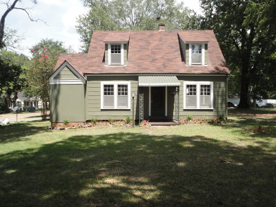 Magnolia Single Family Home For Sale: 832 WEST MAIN