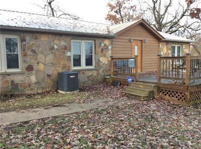 Howe OK Single Family Home For Sale: $150,000