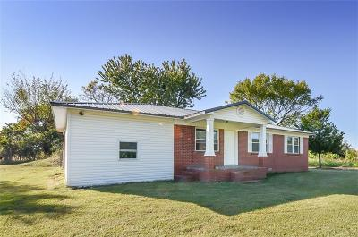 Muldrow Single Family Home For Sale: 472460 1065 RD
