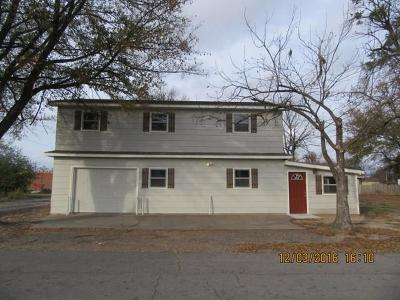 Spiro OK Single Family Home For Sale: $97,000