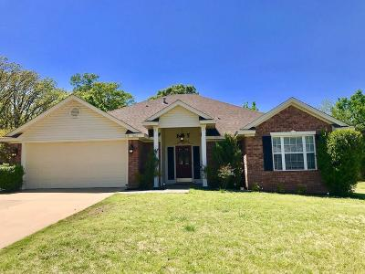 Lavaca Single Family Home For Sale: 507 S 14Th ST