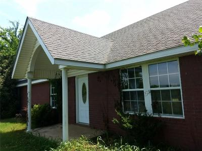 Sallisaw Single Family Home For Sale: HC 61 Box 567