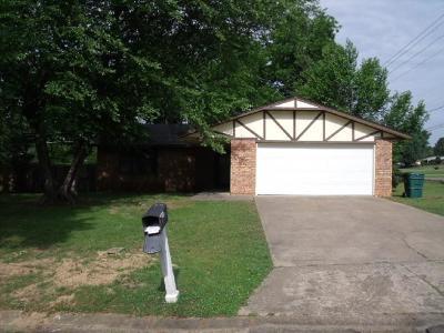 Sallisaw Single Family Home For Sale: 41 Redwood CIR