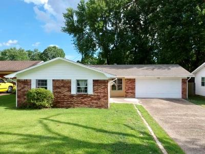 Fort Smith Single Family Home For Sale: 1700 Raleigh ST