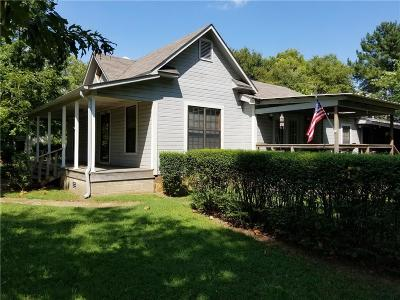 Hackett Single Family Home For Sale: 408 Main ST