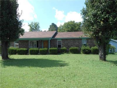Van Buren Single Family Home For Sale: 102 S 42nd ST