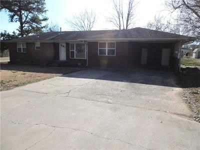 Greenwood Single Family Home For Sale: 409 W Dogwood ST