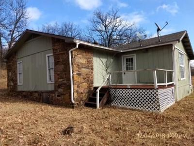Muldrow OK Single Family Home For Sale: $89,000