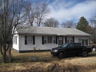 Muldrow OK Single Family Home For Sale: $150,000