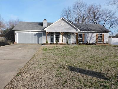 Greenwood Single Family Home For Sale: 2005 Cherrybark BND