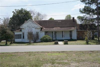 Muldrow Single Family Home For Sale: 208 SE 1st ST
