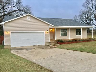 Lavaca Single Family Home For Sale: 700 253 HWY