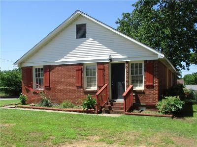 Fort Smith AR Single Family Home For Sale: $105,000
