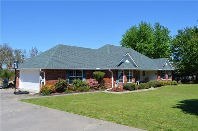 Alma Single Family Home For Sale: 402 Fine Ranch DR