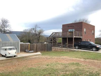 Leflore County Single Family Home For Sale: 208 Blaylock