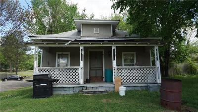 Van Buren Single Family Home For Auction: 1907 Dechard ST