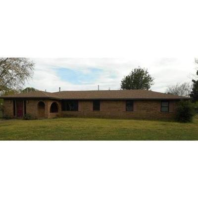 Spiro Single Family Home For Auction: 19193 Chloe Layne RD