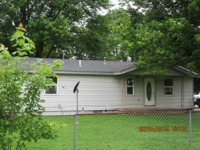Spiro OK Single Family Home For Sale: $45,900