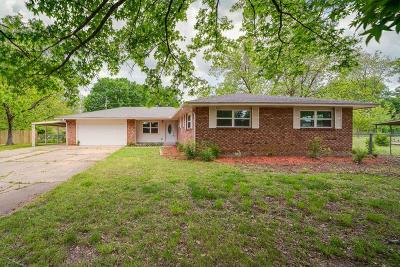 Sallisaw OK Single Family Home For Sale: $165,000