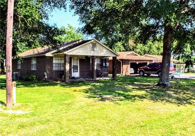 Pocola Single Family Home For Sale: 204 N Pocola Boulevard