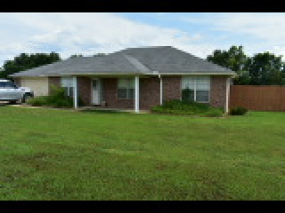 Muldrow OK Single Family Home For Sale: $159,000