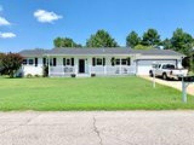 Poteau OK Single Family Home For Sale: $119,900