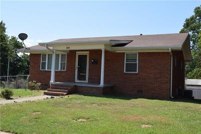 Van Buren AR Single Family Home For Sale: $71,500